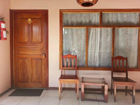Hotel Mar de Luz: Door to our room