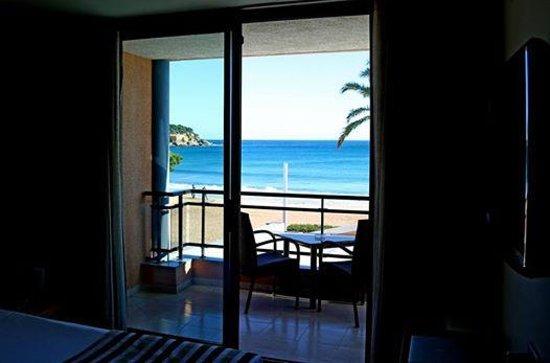 Hotel Restaurant Sant Pol: Blick vom Zimmer Richtung Meer
