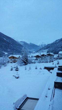 AROSEA Life Balance Hotel: Di primo mattino dopo una bella nevicata...