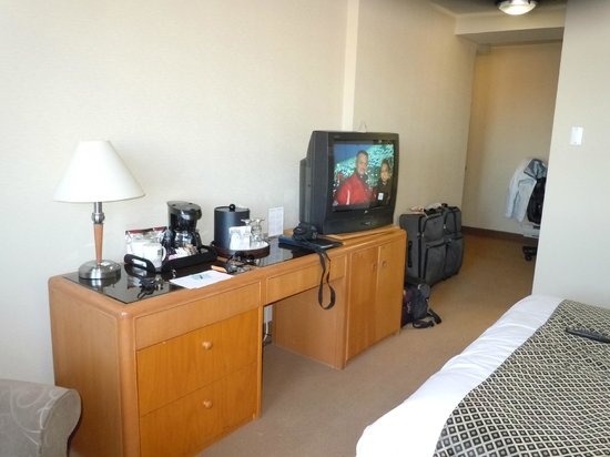 Quality Hotel Dorval Aeroport : vielle tv