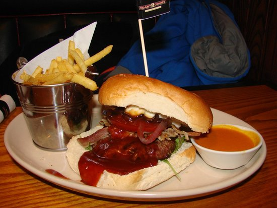 lovely burger at coast to coast !!