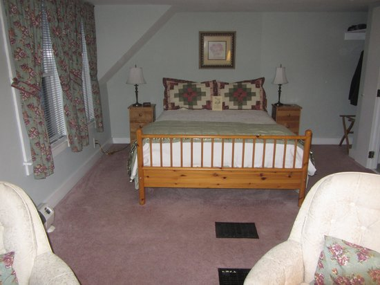 Canterbury House Bed and Breakfast: The Squires Tale Room