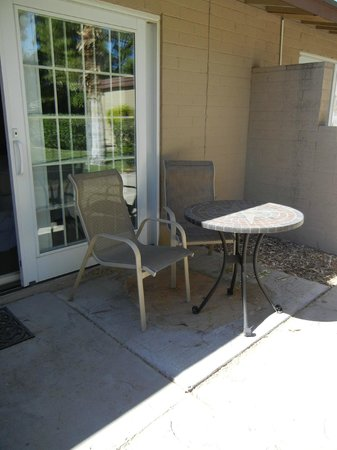 SmokeTree Resort & Bungalows: our patio where we enjoyed breakfast every morning