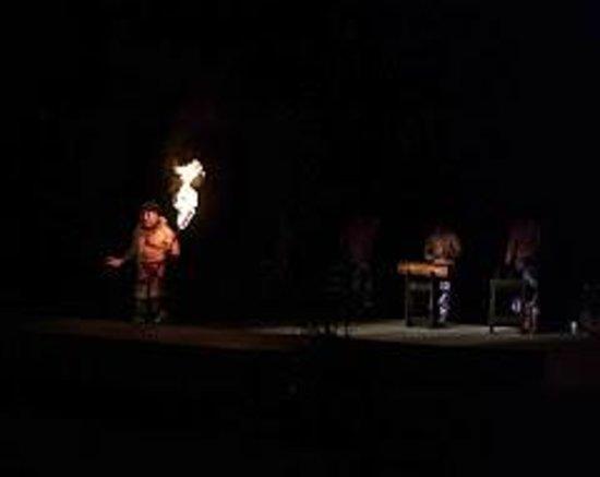 Smith Family Garden Luau : Smith's Luau, fire show