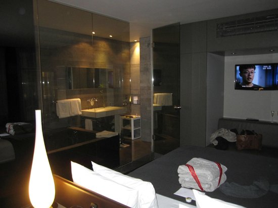 Hotel Sezz Paris: Bathroom very modern