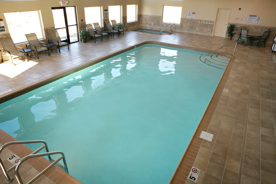 C'mon Inn Park Rapids: Swimming Pool
