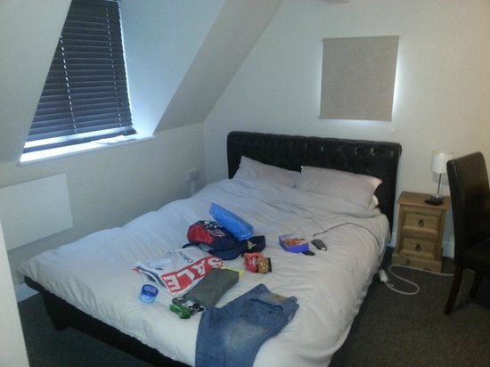 Worthing and Findon Pit Stop: Large comfortable bed with the most comfortable bedding