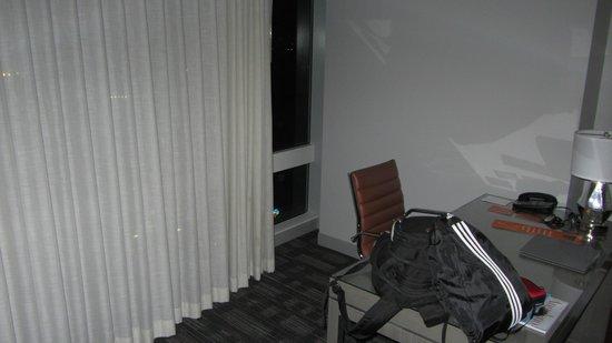 Loews Hollywood Hotel: room