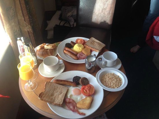 Bridge House Hotel, Spa and Leisure Club: room service , beakfast in bed