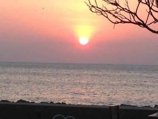 Ranweli Holiday Village: Strand
