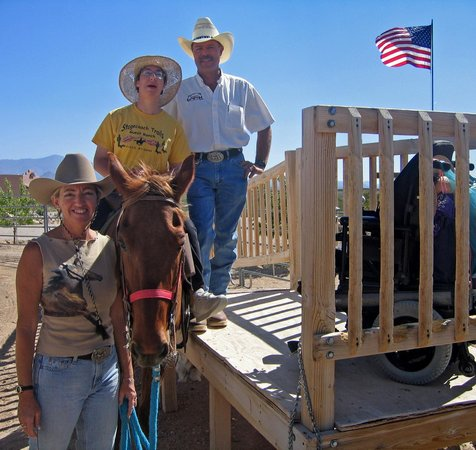 Stagecoach Trails Guest Ranch : Disabled riding program