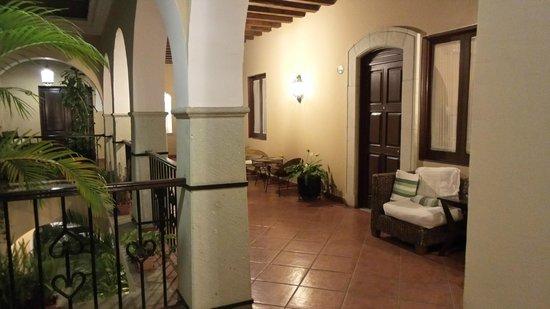 Hotel Boutique De La Parra: pasillos