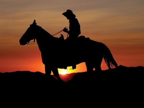 Stagecoach Trails Guest Ranch: Sunset riding
