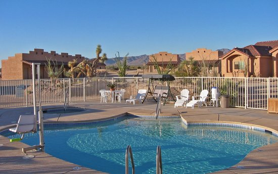 Stagecoach Trails Guest Ranch: Swimming pool & hot tub