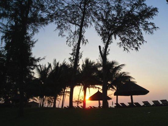 Ocean Dunes Resort: утро на пляже