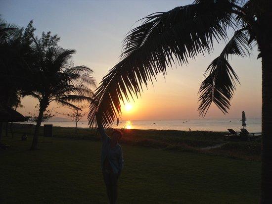 Ocean Dunes Resort: Восход солнца ровно в 6 утра