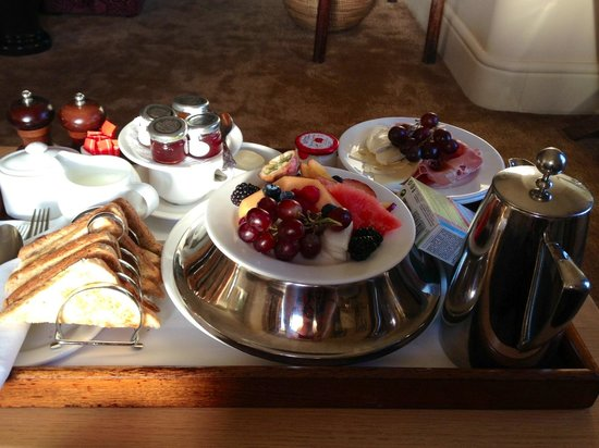 Stoke Park Country Club, Spa and Hotel: Breakfast