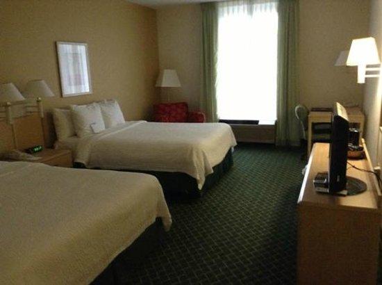 Fairfield Inn & Suites Clearwater: Nice room
