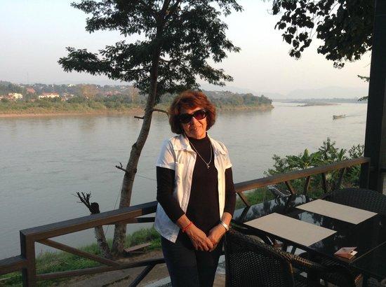 Ibis Styles Chiang Khong Riverfront: Vista do Restaurante do Teak Gaeden Hotel em Chiang Khong