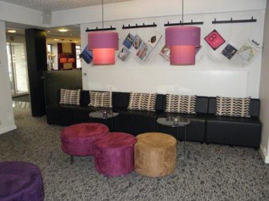 Andersen Boutique Hotel: Neben der Rezeption