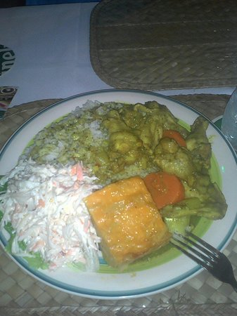 Island Spice Restaurant & Bar: Great portions! This is Curried Chicken.