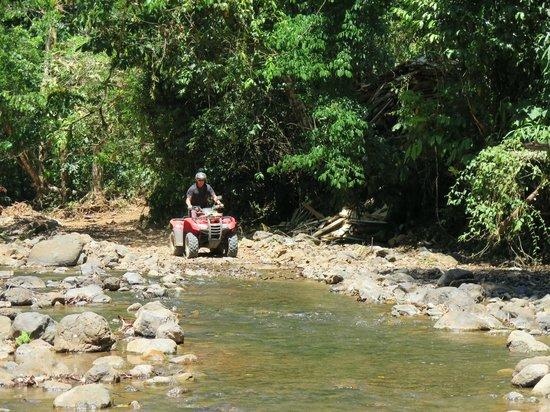 ATV Adventure Tours Costa Rica : Cruising along.
