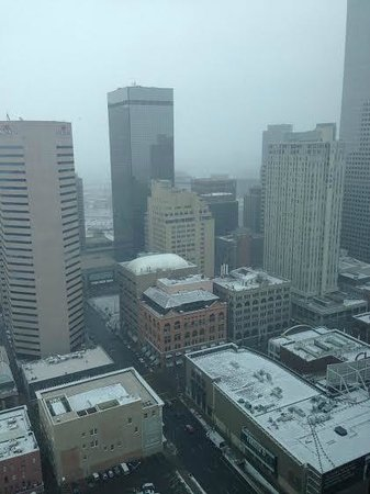 Hyatt Regency Denver At Colorado Convention Center: Snow day view from the 37th floor.