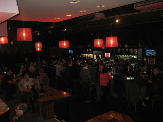 Gleneagle Hotel: Trendy Bar