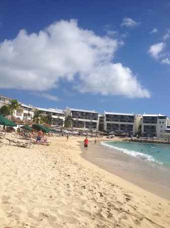 Flamingo Beach Resort : Main Beach...