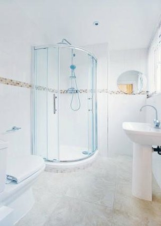 London Full House : Ensuite bathroom
