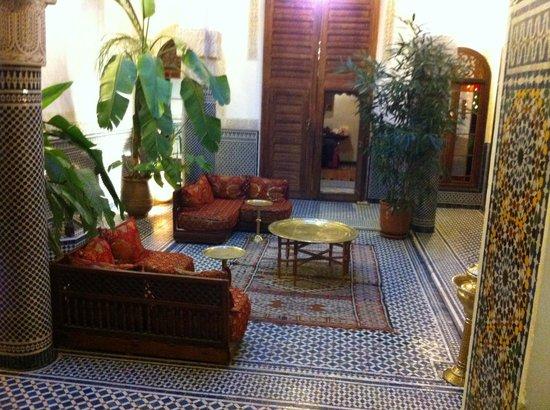 Riad Tayba: De gemeenschappelijke zithoek