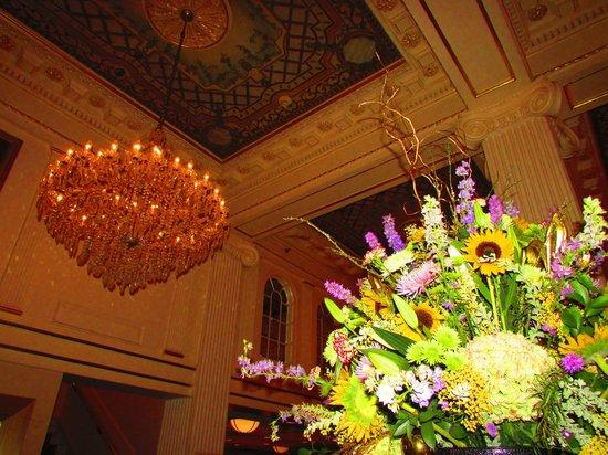 Hotel Monteleone : Inside lobby