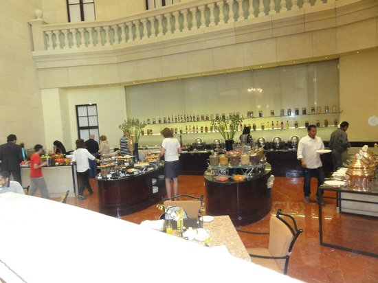 Grand Millennium Dubai : Breakfast area
