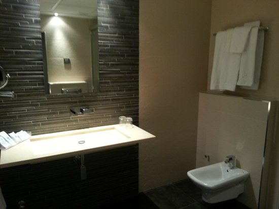 Hotel Francisco I: salle de bain