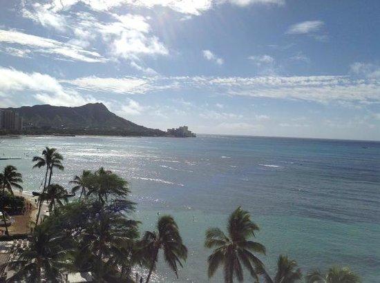 Halekulani Hotel : View from Halekulani Oceanfront suite!