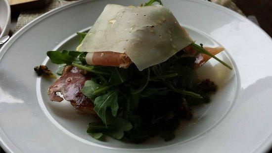 Vai : Arugula, pear, speck salad - Amazing!
