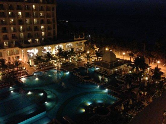 Hotel Riu Palace Aruba: Vista desde habitación estándar (hacia piscina)