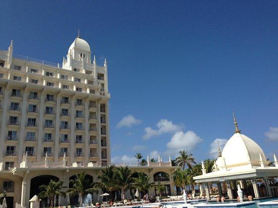 Hotel Riu Palace Aruba: Vista del hotel