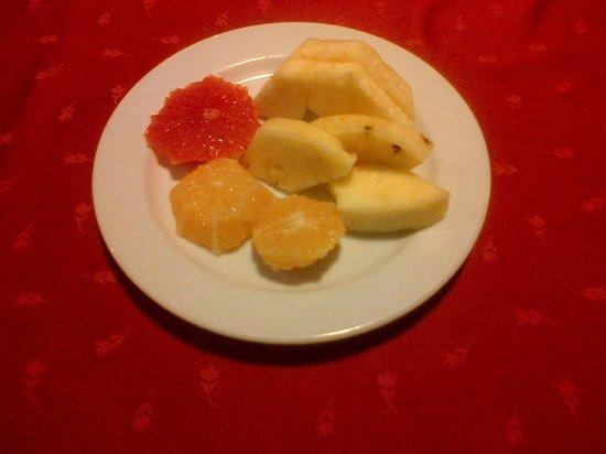 Trofea Grill Etterem Obuda : Frutta fresca, ... ottima !