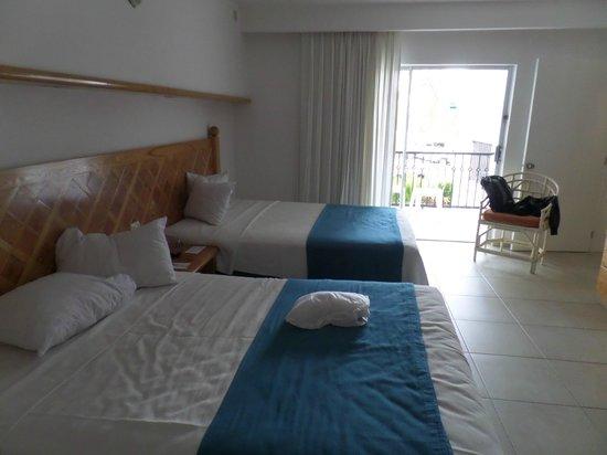 Beachscape Kin Ha Villas & Suites: Quarto