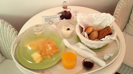 Bed and Breakfast Amsterdam: A Breakfast treat surprise