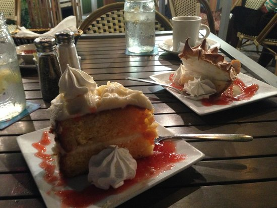 Ballyhoo's Historic Seafood Grille: Key Lime cake and Key Lime pie: decisions, decisions