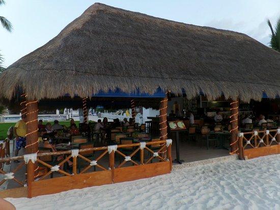 Beachscape Kin Ha Villas & Suites: Restaurante