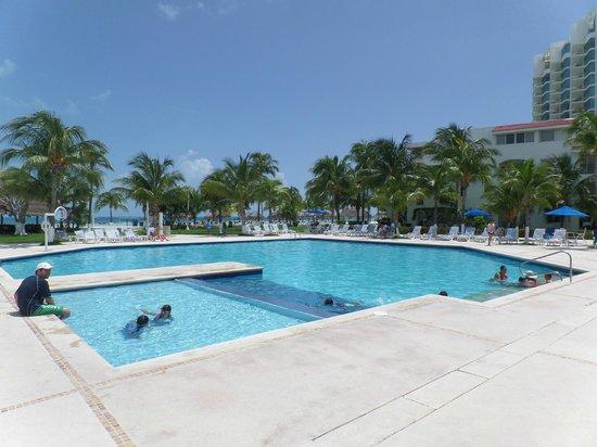 Beachscape Kin Ha Villas & Suites: Piscina