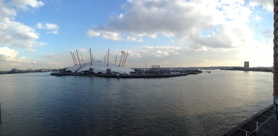 Radisson Blu Edwardian New Providence Wharf Hotel: View from our superior room