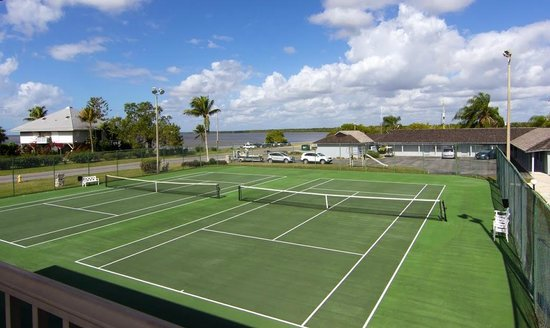 Outdoor Resorts of Chokoloskee : Tennis Courts