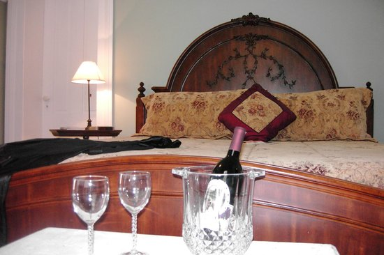 Springhill Winery & Plantation Bed 'n Breakfast: Merlot Suite