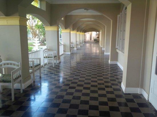 SeaGarden Beach Resort: Entrance of hotel