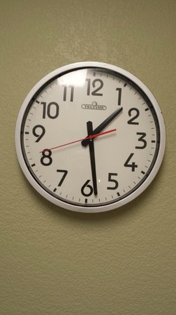 Extended Stay America - Austin - Metro: The clock was stuck and not working in both rooms