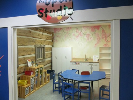 Virginia Discovery Museum: Art Studio